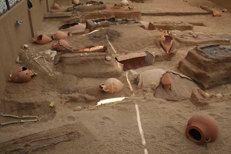 Από το νεκροταφείο της Ακάνθου