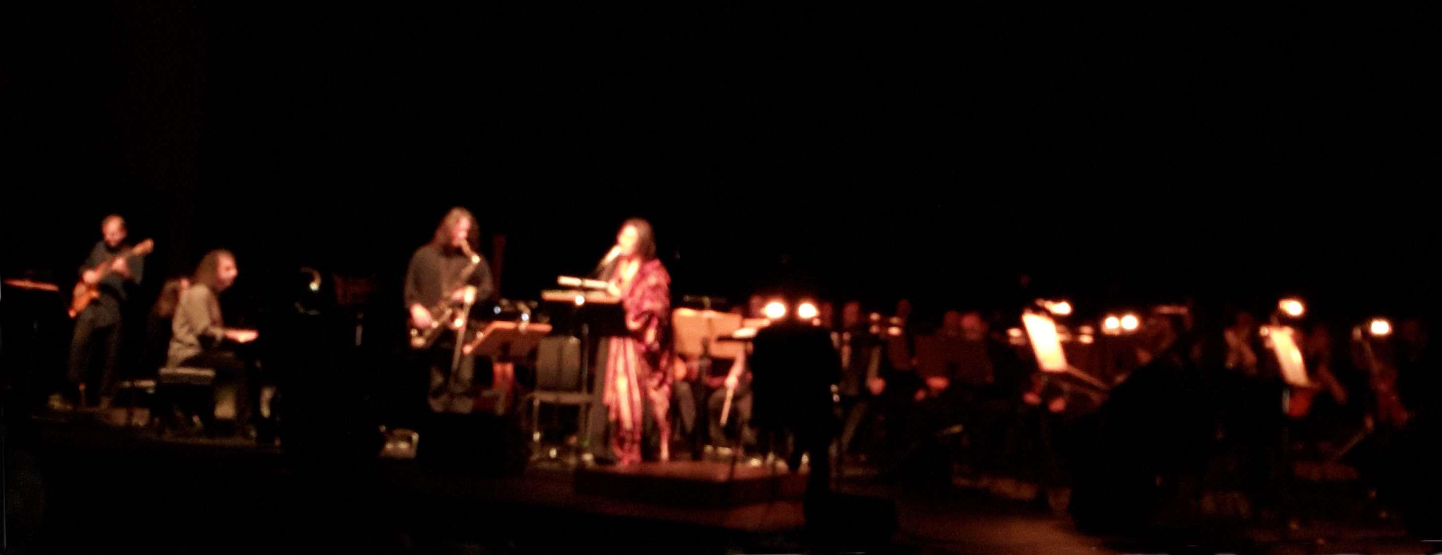 Συναυλία της Ελένης Καραΐνδρου στο Μέγαρο Μουσικής Θεσσαλονίκης