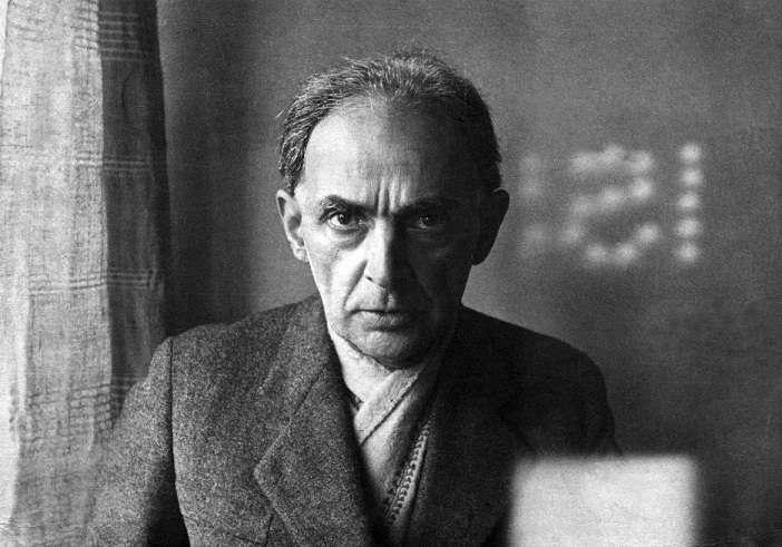 Ο Δημήτρης Πικιώνης (1887 - 1968) ήταν Έλληνας αρχιτέκτονας και ακαδημαϊκός, με πλούσιο ζωγραφικό, ποιητικό και συγγραφικό έργο.