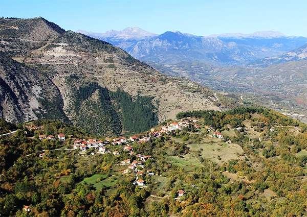 Το γεωγραφικό ανάγλυφο των Βαλκανίων συνέβαλε στην διατήρηση της αυτονομίας των ορεινών κοινοτήτων.