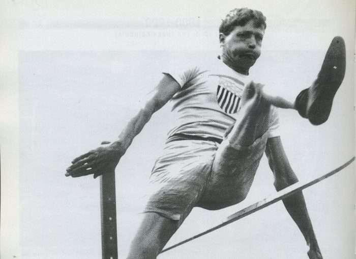 Ο Ρέι Γιούρι είναι ο αθλητής με τα περισσότερα χρυσά μετάλλια στον στίβο χωρίς να έχει χάσει ούτε μία φορά σε Ολυμπιακούς Αγώνες που αγωνίστηκε..