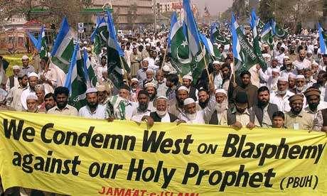 «Καταδικάζουμε τη Δύση για τη βλασφημία κατά του Αγίου Προφήτη μας», στο Πακιστάν (photo)
