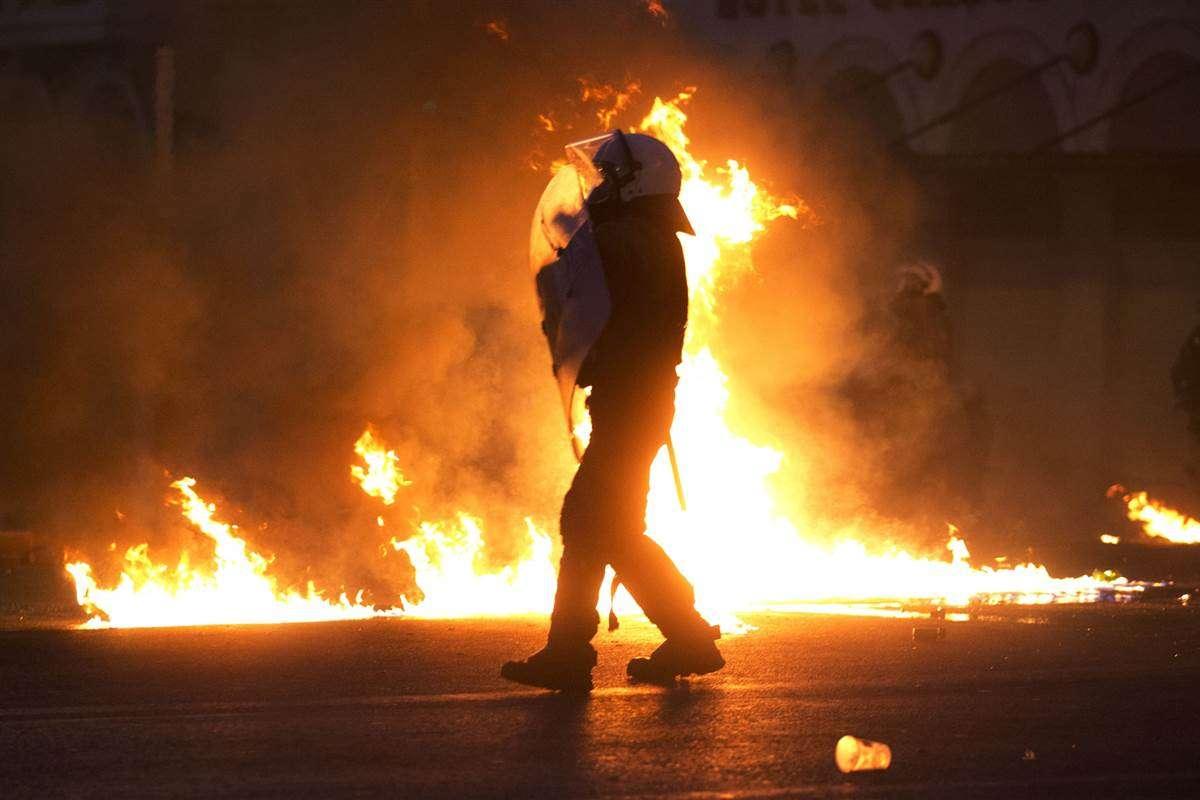 σκηνή από διαδήλωση στην Αθήνα