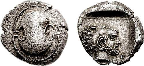 αρχαίο νόμισμα της Θήβας. Thebes, Boeotia. Circa 425-400 BC. AR Stater. Boeotian shield / Θ-E, head of Herakles right wearing lion's skin, in incuse square. BMC p. 73, 48; Gulbenkian 499.
