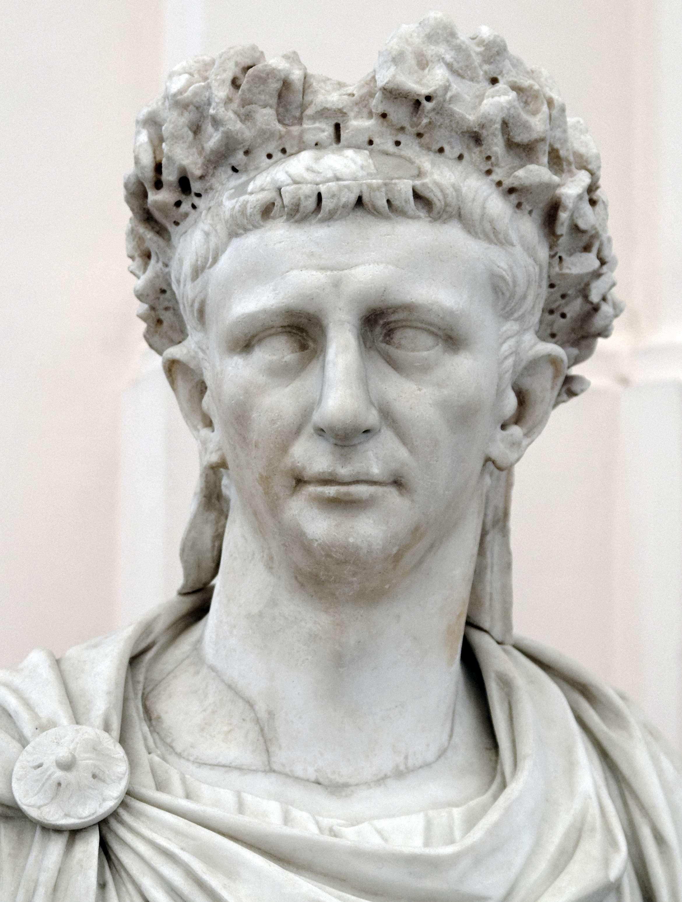Ο Τιβέριος Κλαύδιος Καίσαρας Αύγουστος Γερμανικός (Tiberius Claudius Caesar Augustus Germanicus, 1 Αυγούστου 10 π.Χ. – 13 Οκτωβρίου 54) ήταν Ρωμαίος αυτοκράτoρας από το 41 έως το 54. Μέλος της Ιουλιο-κλαυδιανής Δυναστείας, ήταν γιος του Δρούσου και της Αντωνίας της Νεότερης.