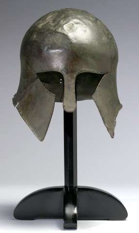 Αρχαίο ελληνικό κορινθιακό κράνος. Corinthian Helmet, ca. 700–500 BCE. Bronze, 9 5/8 x 8 1/4 x 10 1/8 in. The Walters Art Museum, Baltimore 54.2304