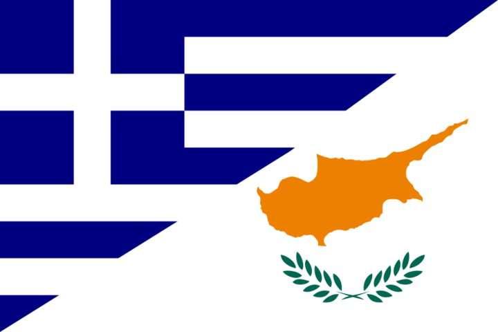 Υπ' αυτές τις συνθήκες, η Ελλάδα και η Κύπρος θα μπορούσαν να αναδειχτούν ως το πραγματικό σύνορο της Ευρώπης, και όμως την ίδια στιγμή κάποιοι απεργάζονται την εκχώρηση στο διπλωματικό πεδίο στην Τουρκία όλων όσων έχει απολέσει στο γεωπολιτικό πεδίο.