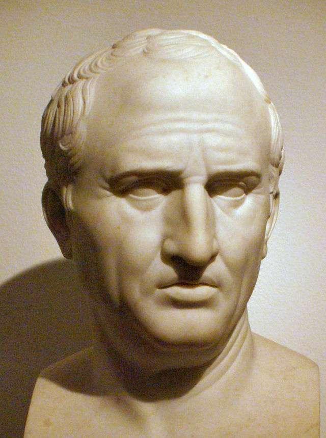 Ο Μάρκος Τύλλιος Κικέρων (Marcus Tullius Cicero, 3 Ιανουαρίου 106 π.Χ. - 7 Δεκεμβρίου 43 π.Χ.). Ανάμεσα στα άλλα παρατσούκλια του (π.χ. Κικέρκουλος, δηλ. «Κικερούλης», Κικεράκιος και Κικερίσκος) μαρτυρείται και ο χαρακτηρισμός Γραίκουλος ή Γραίκος, προφανώς εξαιτίας της ελληνομάθειάς του.