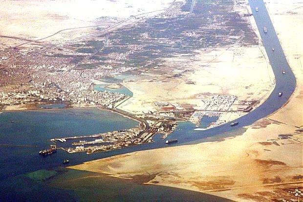 Η νότια είσοδος της διώρυγας του Σουέζ