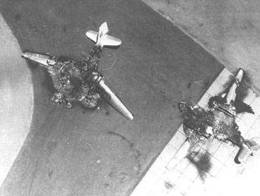 Η ισραηλινή αεροπορία κατέστρεψε τα περισσότερα εχθρικά αεροπλάνα πριν καν προλάβουν να απογειωθούν.