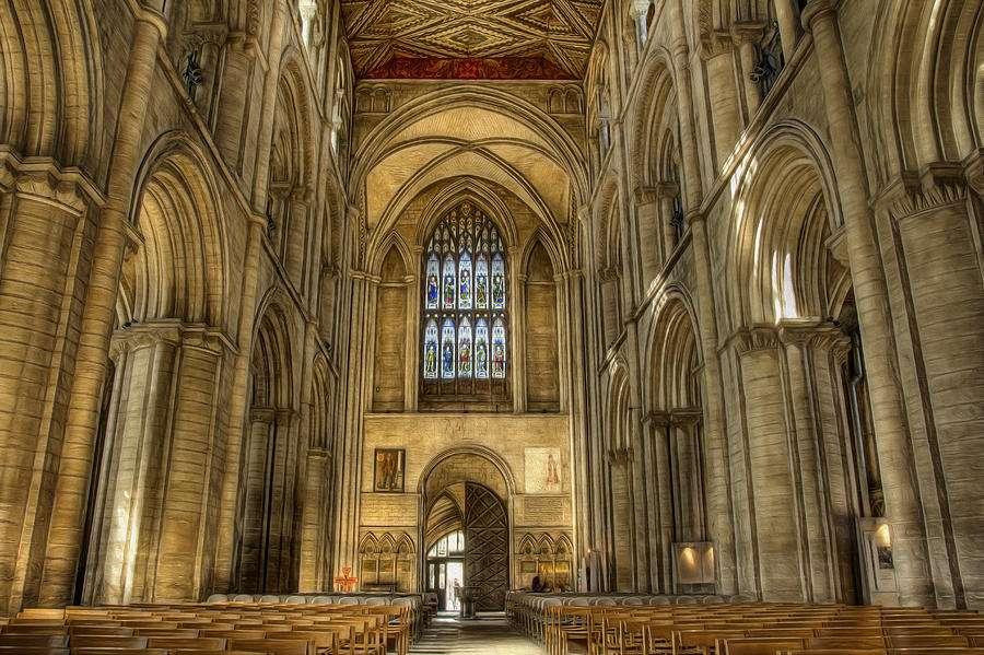 Γοτθικός ρυθμός στην αρχιτεκτονική. Καθεδρικός ναός του Peterborough, Γαλλία