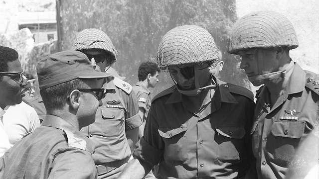Moshe Dayan και Yitzhak Rabin στην Ιερουσαλήμ
