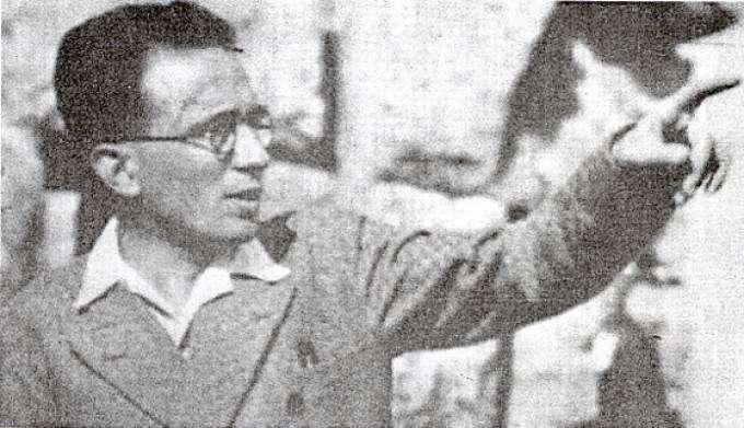 Ο Ιωάννης Συκουτρής (Σμύρνη, 1 Δεκεμβρίου 1901 — Κόρινθος, 21 Σεπτεμβρίου 1937) ήταν διακεκριμένος Έλληνας φιλόλογος.