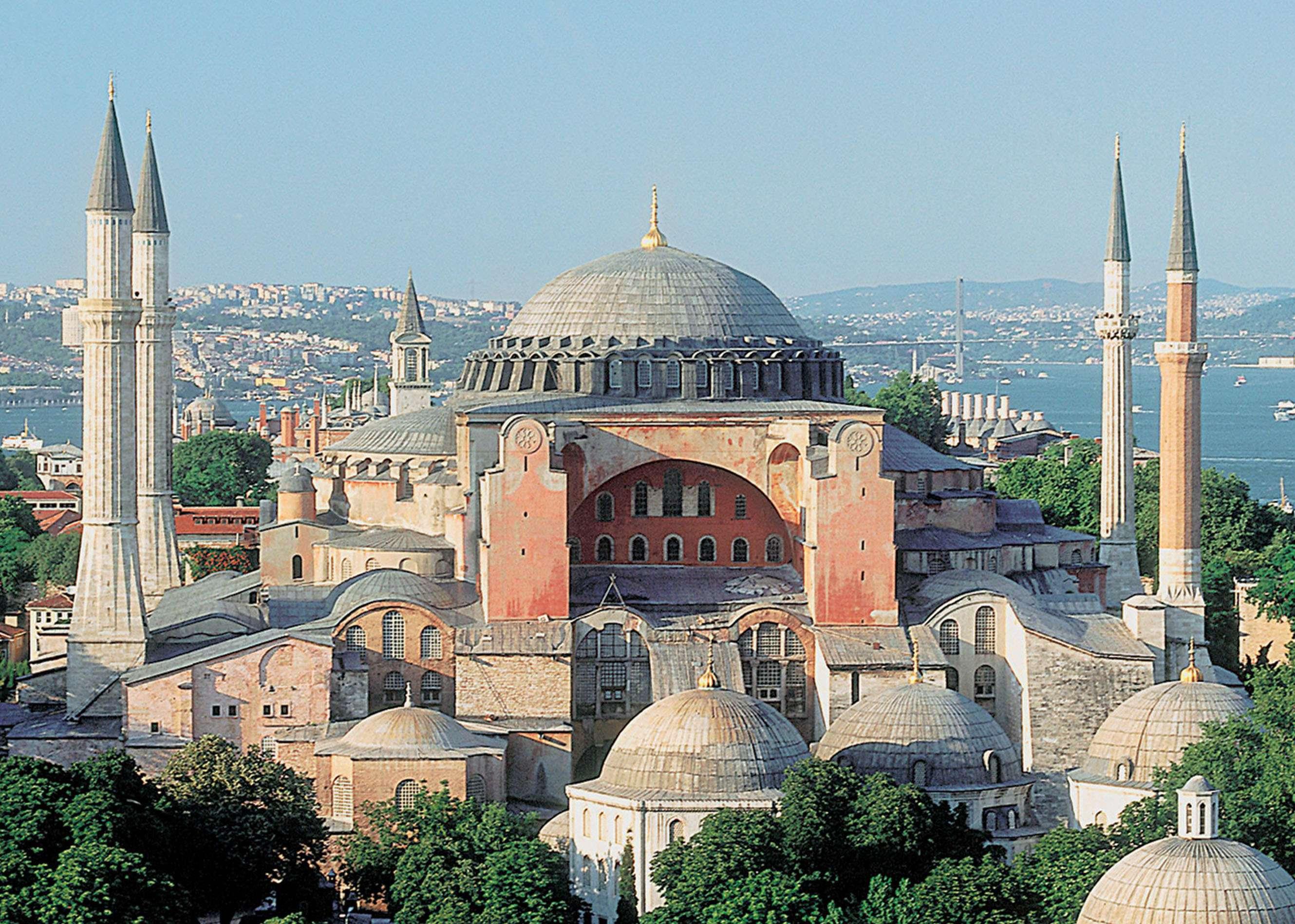 Η Αγία Σοφία ή Αγια-Σοφιά, γνωστή και ως ναός της Αγίας του Θεού Σοφίας ή απλά η Μεγάλη Εκκλησία, είναι ναός που βρίσκεται στην Κωνσταντινούπολη.