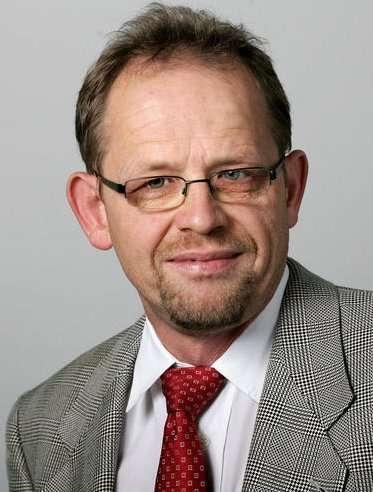 ο Νόρμπερτ Χέρινγκ (Norbert Häring), αρθρογράφος στη μεγαλύτερη οικονομική εφημερίδα της Γερμανίας, τη Handelsblatt