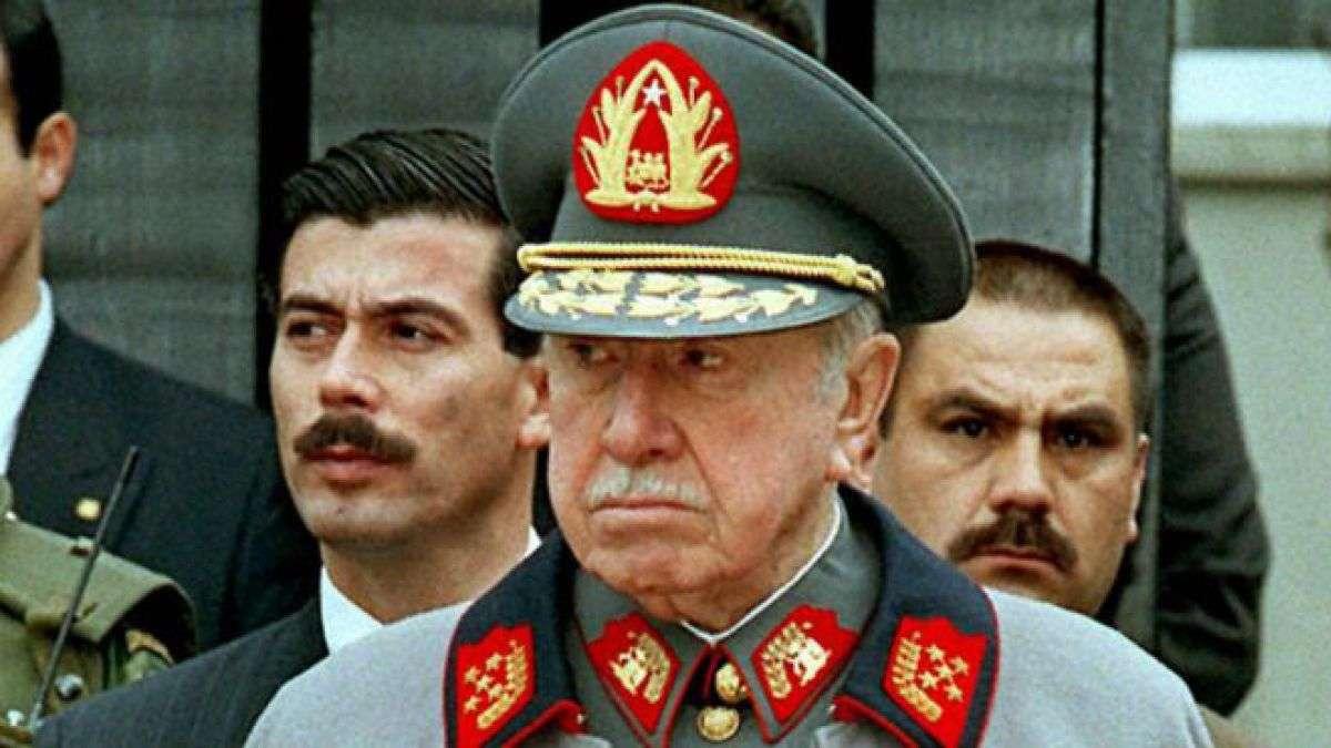 Ο Αουγούστο Πινοσέτ (Augusto José Ramón Pinochet Ugarte) (25 Νοεμβρίου 1915 – 10 Δεκεμβρίου 2006) ήταν Στρατιωτικός και πολιτικός δικτάτορας της Χιλής (1973-1990).