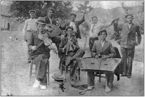 Παραδοσιακή ελληνική ορχήστρα των αρχών του 20ου αιώνα