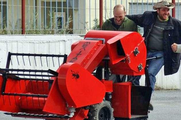 Το αυτοσχέδιο αλωνιστικό μηχάνημα που κατασκεύασαν οι «Μελίτακες»  