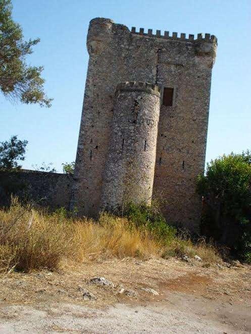 Ο πύργος της οικογένειας των Γρηγοράκηδω