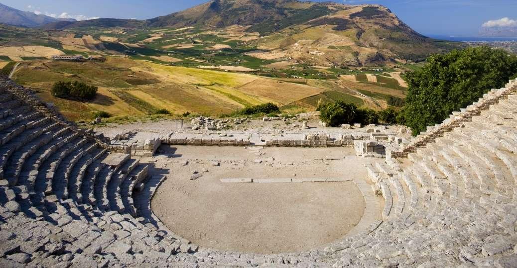 Μαθήματα κλασικής παιδείας – Από το αρχαίο θέατρο στο σύγχρονο