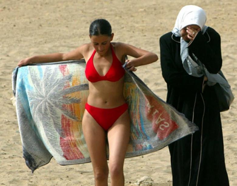 Γιατί η ισλαμική ταυτότητα είναι ασύμβατη με τον δυτικό τρόπο ζωής