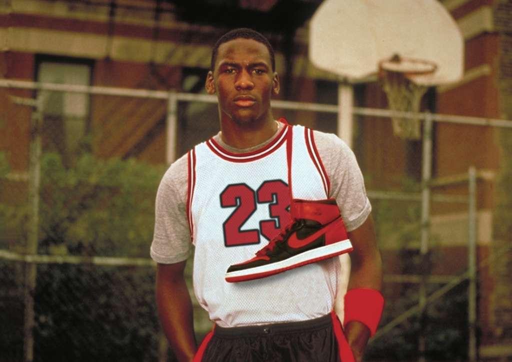Οι τηλεοπτικές διαφημίσεις της Nike για τον Μάικλ Τζόρνταν το 1985 εισήγαγαν τον αθλητισμό στον κόσμο της ψυχαγωγίας
