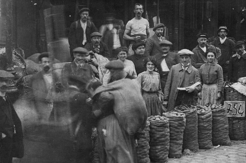 Η παγκόσμια οικονομική ύφεση του 1929 ήταν μια κατάσταση διεθνούς οικονομικής ύφεσης που διήρκεσε από ένα μέχρι δέκα χρόνια σε διάφορες χώρες του κόσμου.