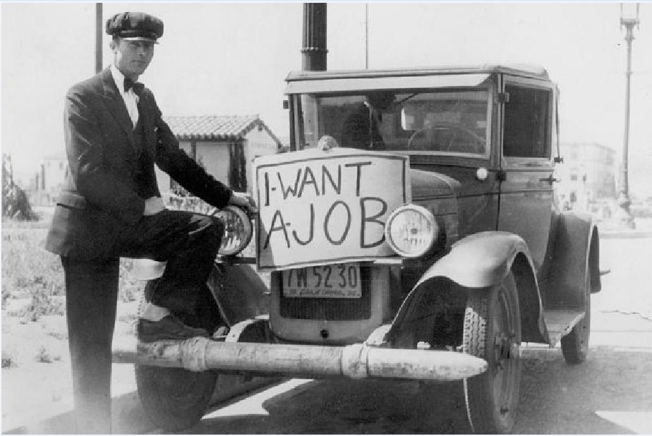 """Η """"Μεγάλη Ύφεση"""", όπως χαρακτηρίστηκε στις ΗΠΑ, σύμφωνα με τους αναλυτές προκλήθηκε μετά από το χρηματιστηριακό κραχ, που ξεκίνησε στις 24 Οκτωβρίου του 1929. Το τέρμα της κρίσης στις ΗΠΑ ταυτίστηκε με το έναυσμα της πολεμικής οικονομίας του Β' Παγκόσμιου Πολέμου γύρω στο 1939. «Θέλω δουλειά»"""