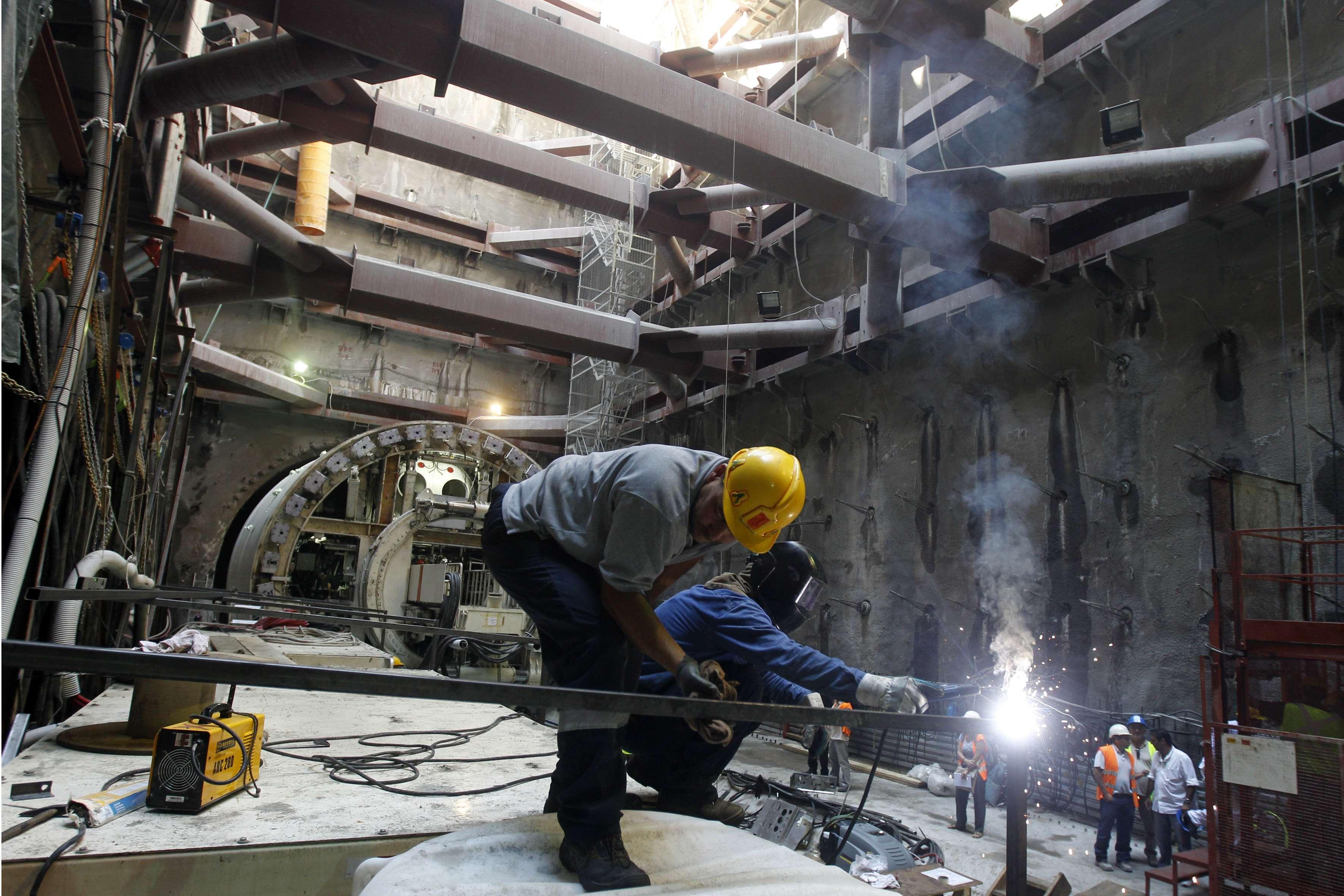 Εργάτες στο μετρό της Αθήνας