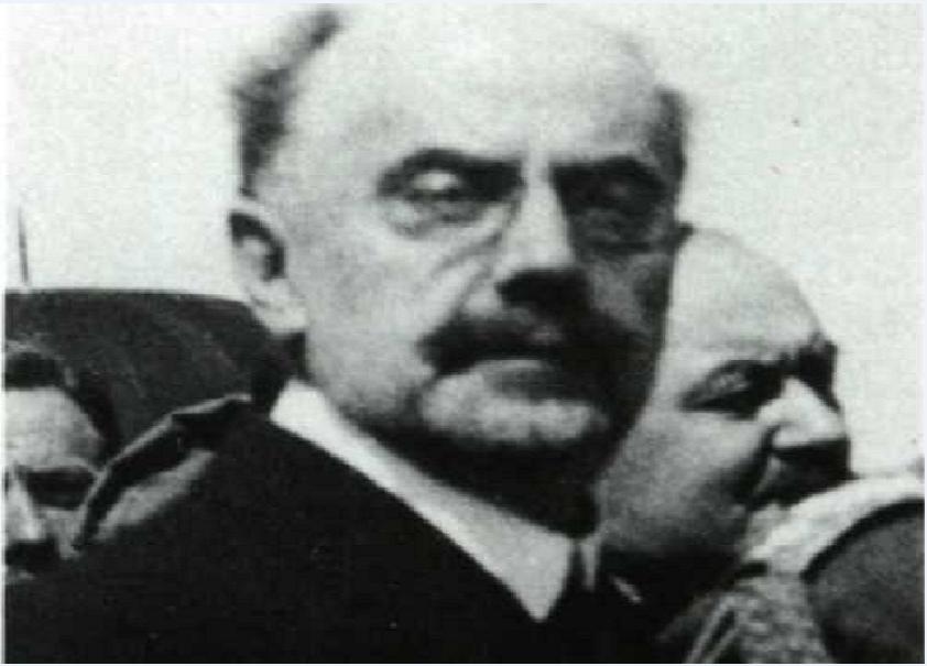 Ο Αριστείδης Στεργιάδης (1861 - 22 Ιουνίου 1949) ήταν Έλληνας πολιτικός, ο οποίος την περίοδο 1919 - 1922 διετέλεσε Ύπατος Αρμοστής της Σμύρνης.