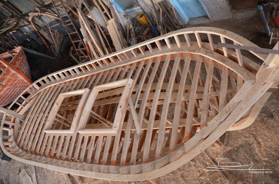 Σκελετός βάρκας από το καρνάγιο του Νικόλαου Γιαννάκη. [φωτογραφία του Νικόλαου Γιαννάκη]