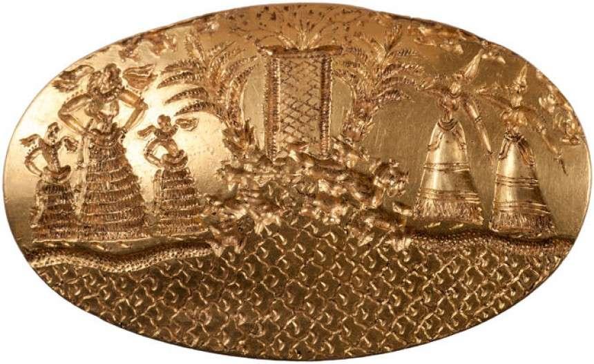 Το μεγαλύτερο χρυσό δαχτυλίδι σφραγίδα που είναι γνωστό στο Αιγαίο, παρουσιάζει πέντε περίτεχνα ντυμένες γυναικείες μορφές (University of Cincinnati)