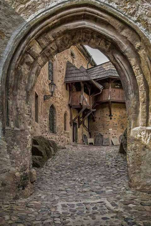 Γοτθικό κάστρο του 12ου αιώνα στην Τσεχία.
