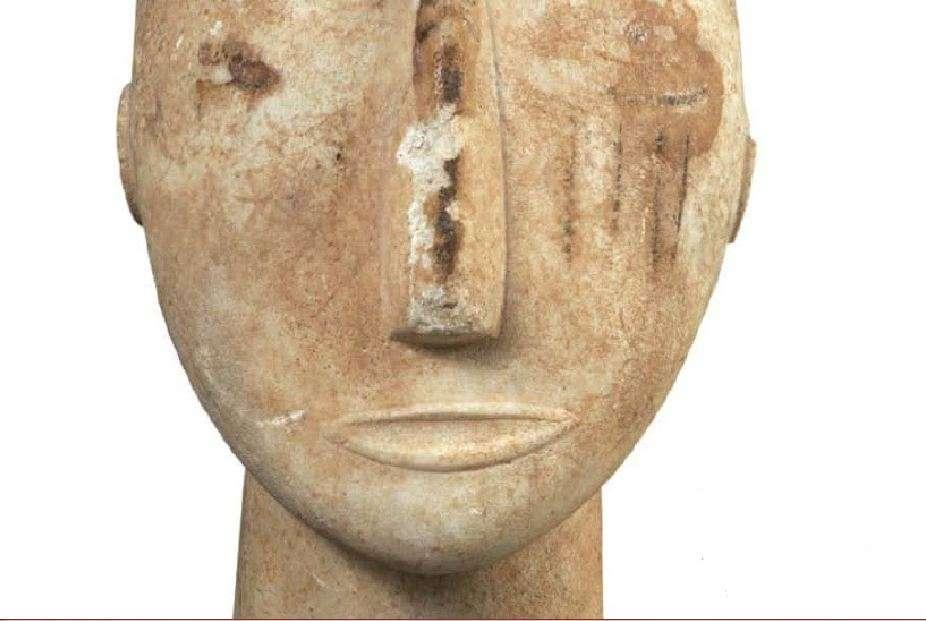 Μαρμάρινο ειδώλιο αρπιστή. Πρωτοκυκλαδική ΙΙ περίοδος, 2800-2300 π.Χ. Εθνικό Αρχαιολογικό Μουσείο. Marble figurine artiste. Early Cycladic II period, 2800-2300 BC National Archaeological Museum.
