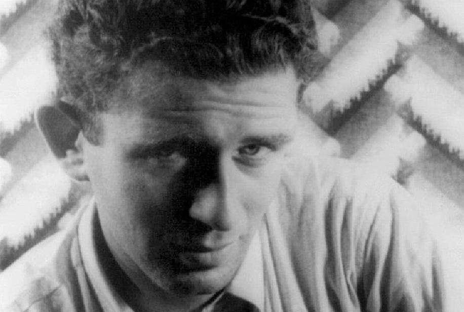 Ο Νόρμαν Κίνγκσλεϊ Μέιλερ (Norman Kingsley Mailer, 31 Ιανουαρίου 1923 - 10 Νοεμβρίου 2007) ήταν Αμερικανός συγγραφέας, δημοσιογράφος, θεατρικός συγγραφέας, σεναριογράφος και σκηνοθέτης.