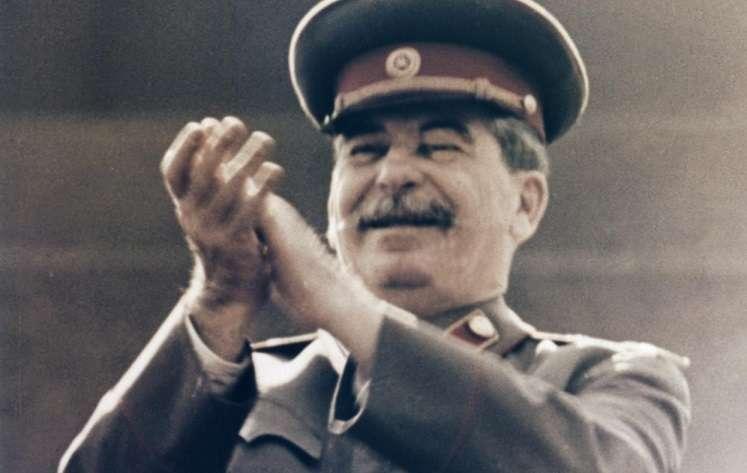 Κατεβάστε τα Άπαντα του Στάλιν (pdf)
