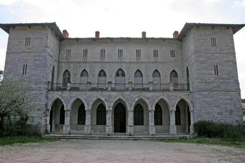 Το Μέγαρο της Δούκισσας της Πλακεντίας ή Καστέλο της Ροδοδάφνης.