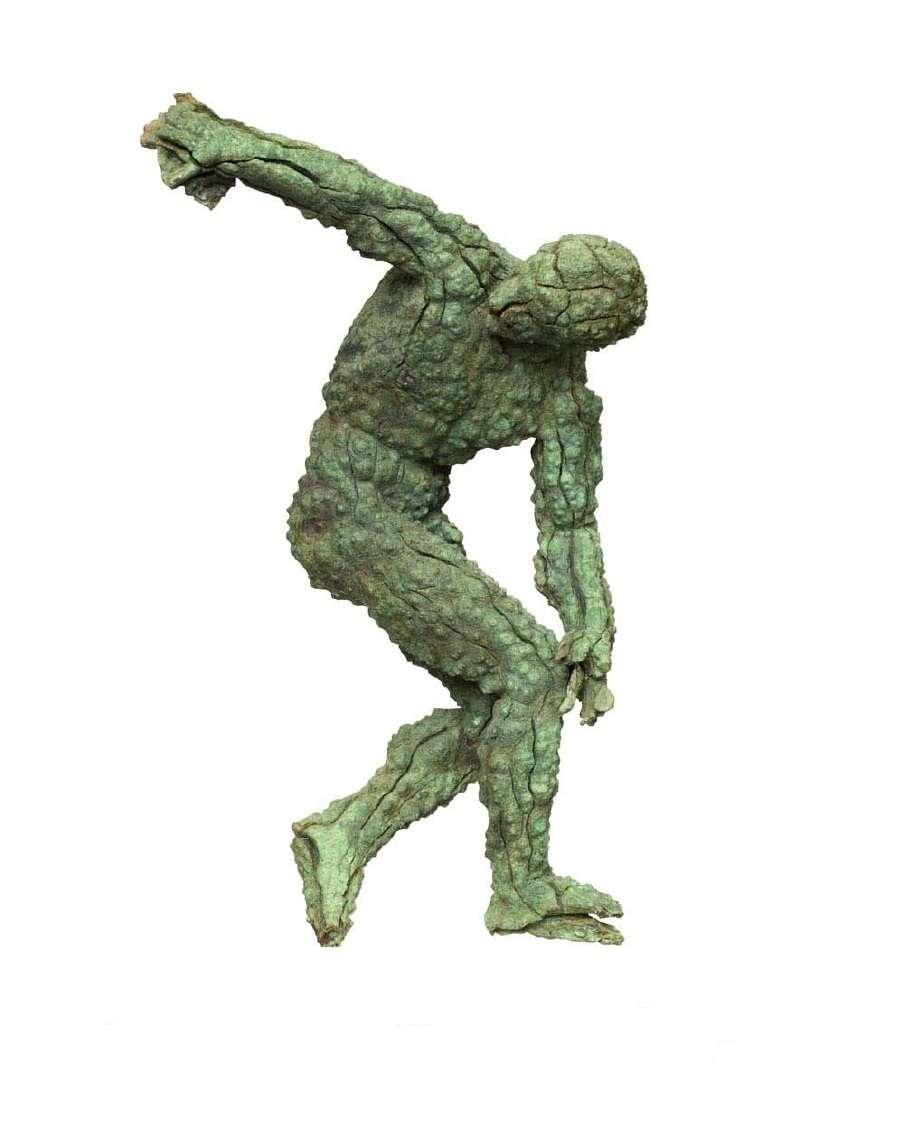 Χάλκινο ειδώλιο δισκοβόλου, αντίγραφο του περίφημου αγάλματος του Δισκοβόλου του γλύπτη Μύρωνα (1ος αιώνας π.Χ.). Εθνικό Αρχαιολογικό Μουσείο. Αθήνα.