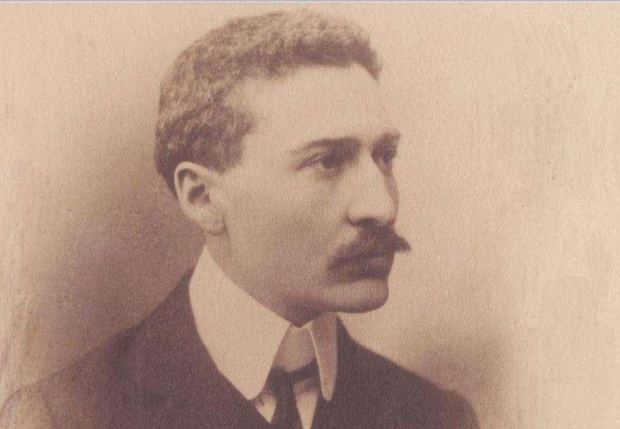 Ο Ίων (Ιωάννης) Δραγούμης (Αθήνα, 2 Σεπτεμβρίου (π.η.) ή 14 Σεπτεμβρίου (ν.η) 1878 – 31 Ιουλίου 1920) ήταν διπλωμάτης, πολιτικός και λογοτέχνης.