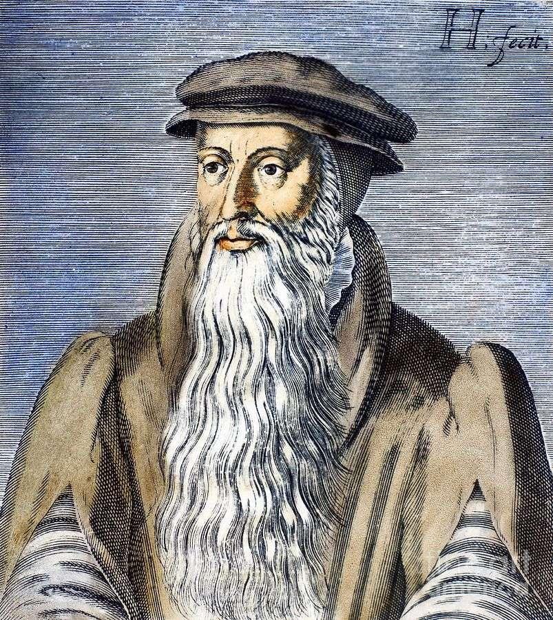 Ο Ιωάννης Καλβίνος (γαλ.: Jean Calvin, πραγματικό όνομα Jehan Cauvin, 10 Ιουλίου 1509 - 27 Μαΐου 1564) γεννήθηκε στο Νουαγιόν της Πικαρδίας στη Γαλλία. Ο πατέρας του του έδωσε επιμελημένη μόρφωση σε Πανεπιστήμια στο Παρίσι και την Ορλεάνη. Όταν ο πατέρας του άλλαξε γνώμη και δεν ήθελε ο Καλβίνος να σπουδάσει θεολογία, τον έστειλε για σπουδές στη νομική. Όταν ο πατέρας του πέθανε, εκείνος επέστρεψε στη θεολογία.
