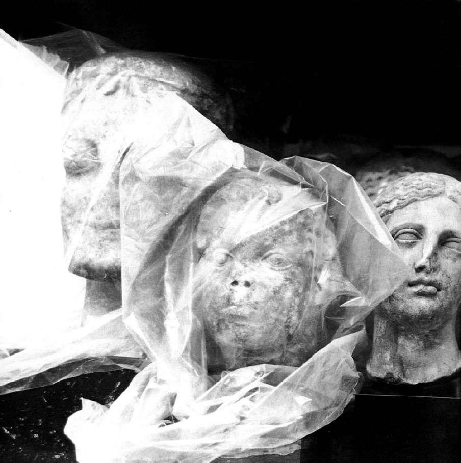 Μαρμάρινες κεφαλές αγαλμάτων. Μουσείο Μπενάκη. Αθήνα.