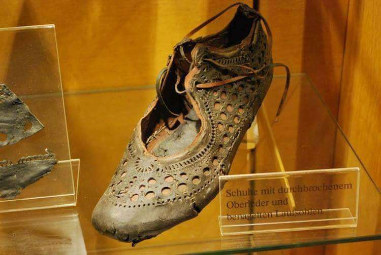 Ρωμαϊκά παπούτσια 2000 ετών