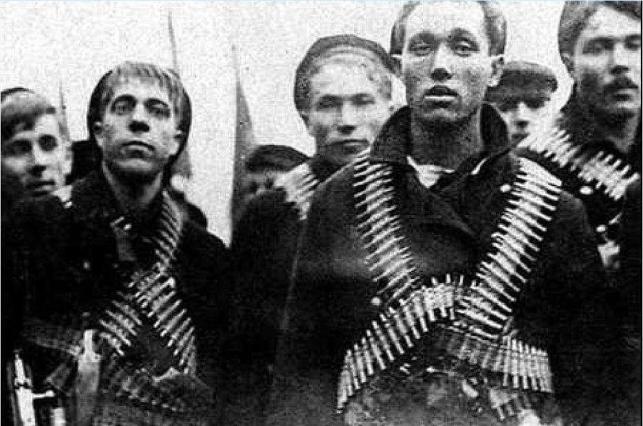 Οι μάχες κράτησαν έως τις 17 Μαρτίου, όταν ο Κόκκινος Στρατός κατέλαβε την πόλη με μεγάλες απώλειες (περίπου 10.000 στρατιώτες σκοτώθηκαν). Μεγάλος αριθμός από τους ναύτες της Κροστάνδης εκτελέσθηκε επί τόπου. Σύμφωνα με ιστορικούς 1.200 με 2.168 άτομα εκτελέσθηκαν, ενώ άλλοι τόσοι υπολογίζεται ότι φυλακίσθηκαν, οι περισσότεροι σε στρατόπεδα συγκέντρωσης στη Σιβηρία.