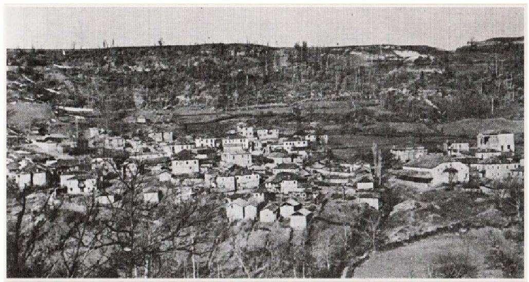Στο χωριό Καστανόφυτο του Γράμμου είχε την έδρα του το υπαρχηγείο του ΔΣΕ.