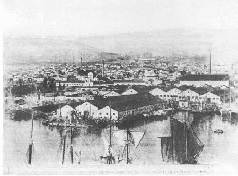 Μέρος της βιομηχανικής περιοχής του Πειραιά στις αρχές του 20ου αιώνα. Ιστορικό Αρχείο Δήμου Πειραιά.
