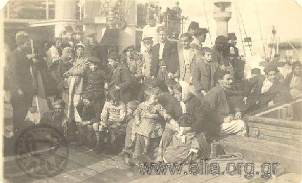 Μικρασιατική εκστρατεία, Έλληνες πρόσφυγες από την Κιλικία στο κατάστρωμα ατμόπλοιου. Μικρά Ασία. 1921-1922.