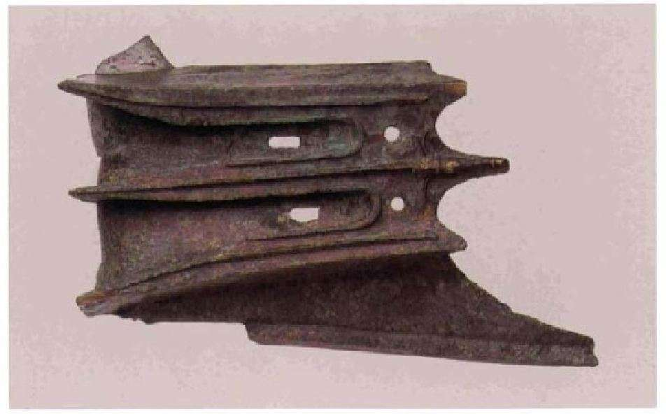 Χάλκινο έμβολο τριήρους. Αρχαιολογικό Μουσείο Πειραιώς. Bronze plunger plunger. Archaeological Museum of Piraeus.