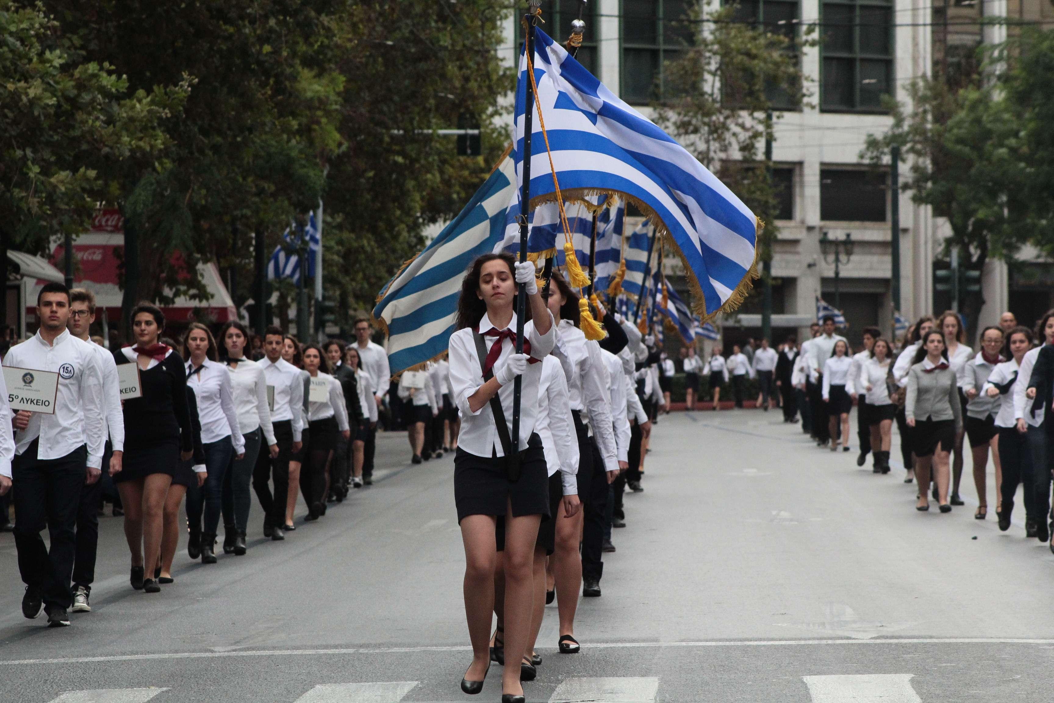 Η σχέση της νέας γενιάς με την Ιστορία στην Ελλάδα – και όχι μόνον εδώ – είναι προβληματική και υπάρχουν λόγοι γι αυτή την εξέλιξη. Ένας από τους πιο βασικούς είναι η κατάσταση που επικρατεί με τη διδασκαλία του μαθήματος της Ιστορίας στο Δημοτικό, το Γυμνάσιο και το Λύκειο.