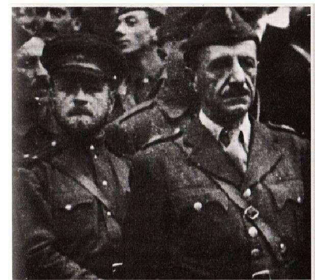 Ο στρατηγός του ΔΣΕ Στέφανος Σαράφης με έναν από τους αξιωματικούς της σοβιετικής στρατιωτικής αποστολής. Η αποστολή έφτασε στην Ελλάδα τον Ιούλιο του 1944 και αποτελούσε κλιμάκιο της σοβιετικής στρατιωτικής αποστολής στη Γιουγκοσλαβία του Τίτο.