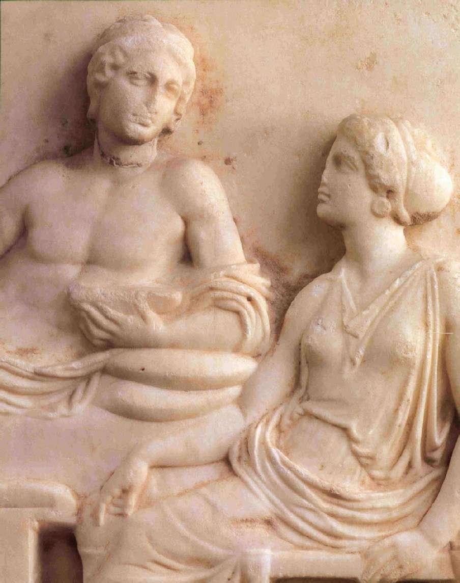 Αναθηματικό ανάγλυφο. 400-380 π.Χ. Αρχαιολογικό Μουσείο Πειραιώς. Votive relief. 400-380 BC Archaeological Museum of Piraeus.